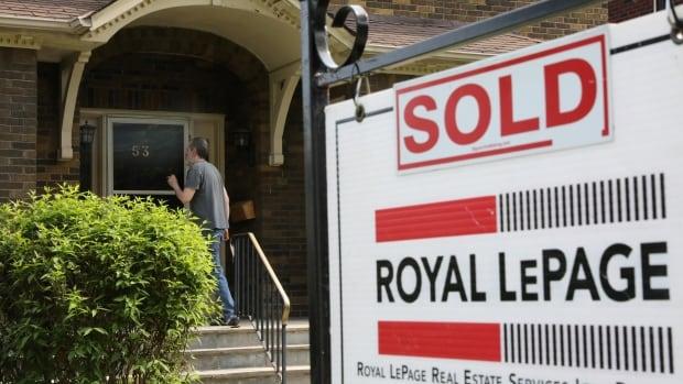 Kanada'da ev satışları Temmuz ayında %3 düşerken ortalama fiyat 662.000$'a düştü.