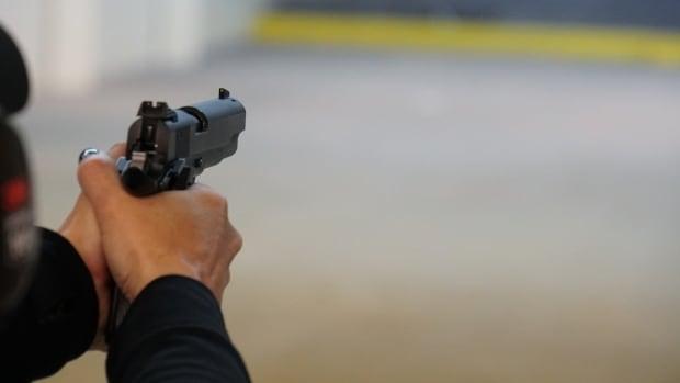 Montreal gibi şehirler bir yaz silahlı şiddete maruz kalırken federal partilerin ateşli silah kontrolü üzerinde durduğu yer burası.