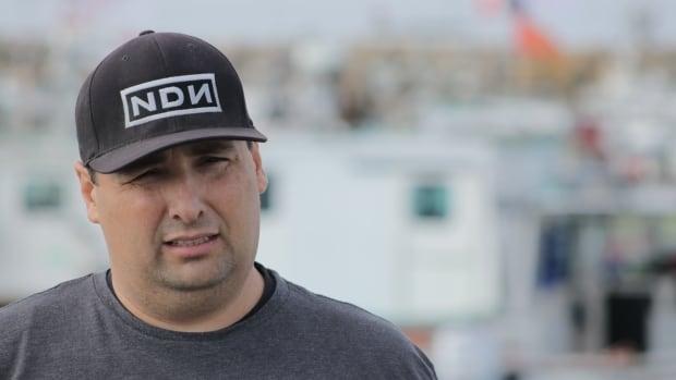 N.S. İlk Milletler şefi, Mi'kmaw balıkçılığı başlarken DFO memurları tarafından tutuklandı